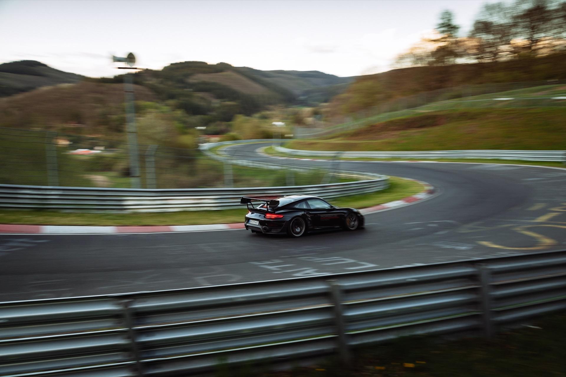 Porsche 911 Record 13
