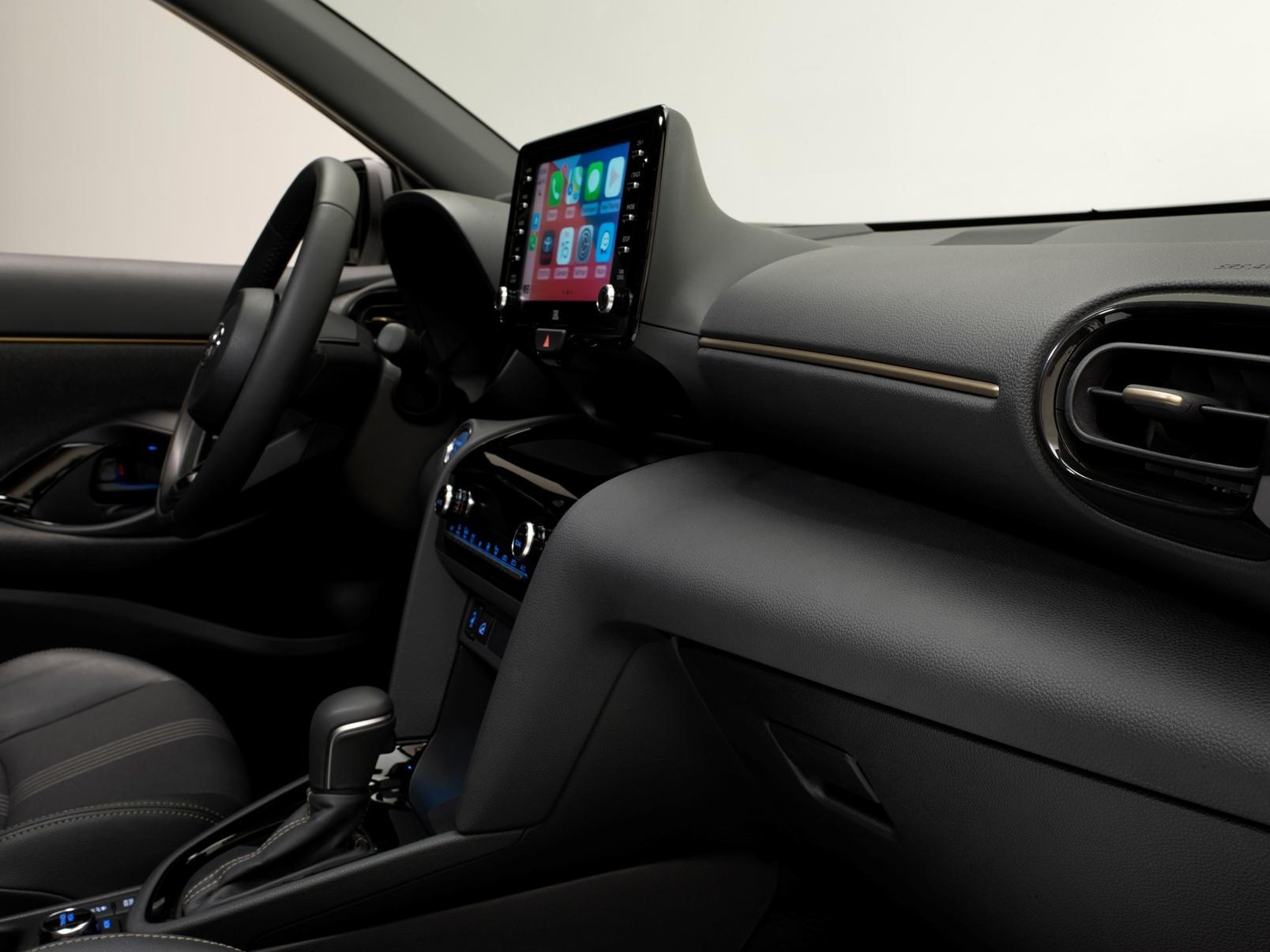 Toyota Yaris Cross Premiere Edition 16