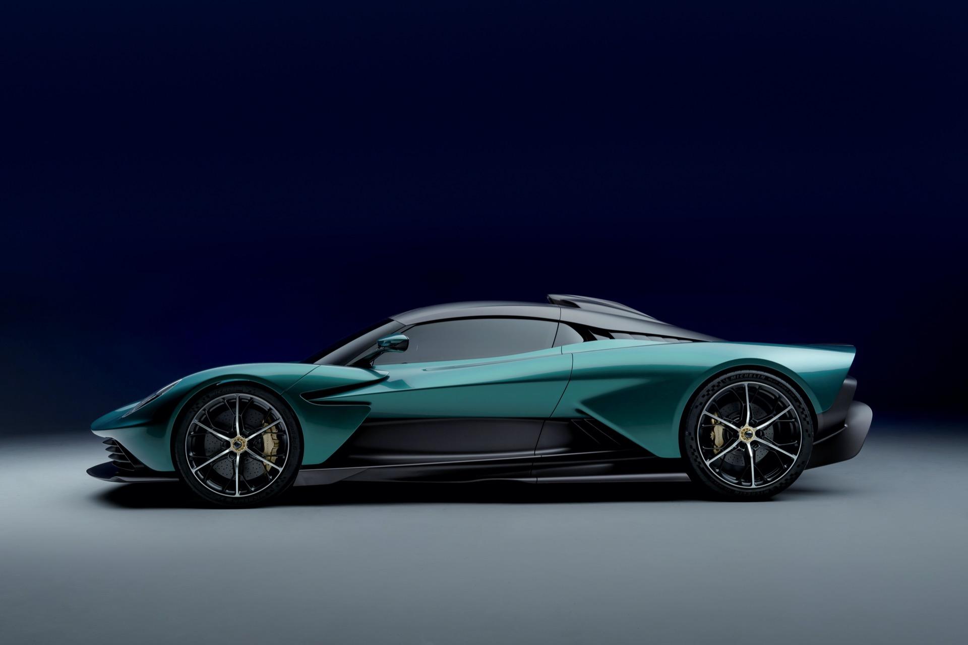 Aston Martin Valhalla 5