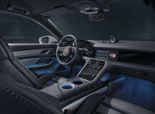 Porsche Taycan Cross Turismo 59
