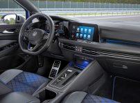 Volkswagen Golf R Variant(2)