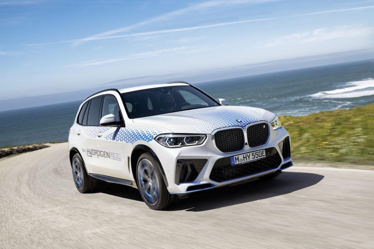 Nuevo BMW iX5 Hydrogen: BMW nos hace dudar entre el coche eléctrico o el de hidrógeno