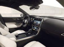 Jaguar Xe Xf 2022 9