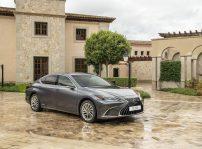 Lexus Es 300h (1)