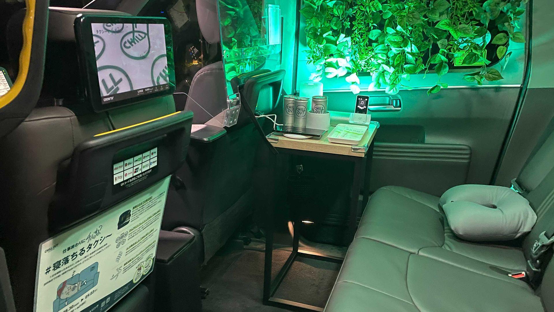 Toyota Jpn Taxi Siesta (3)