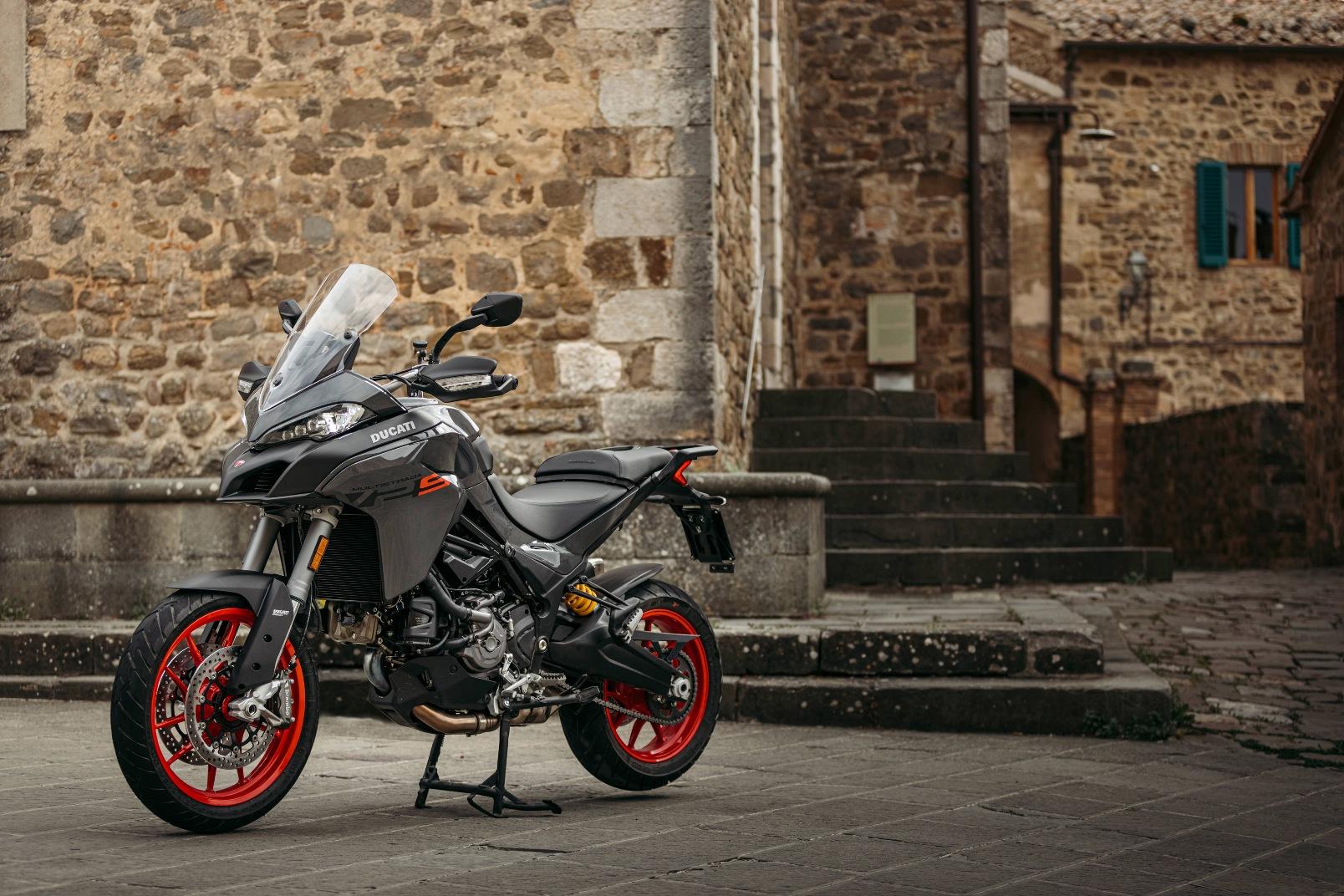 Ducati Multistrada V2 2022 (3)
