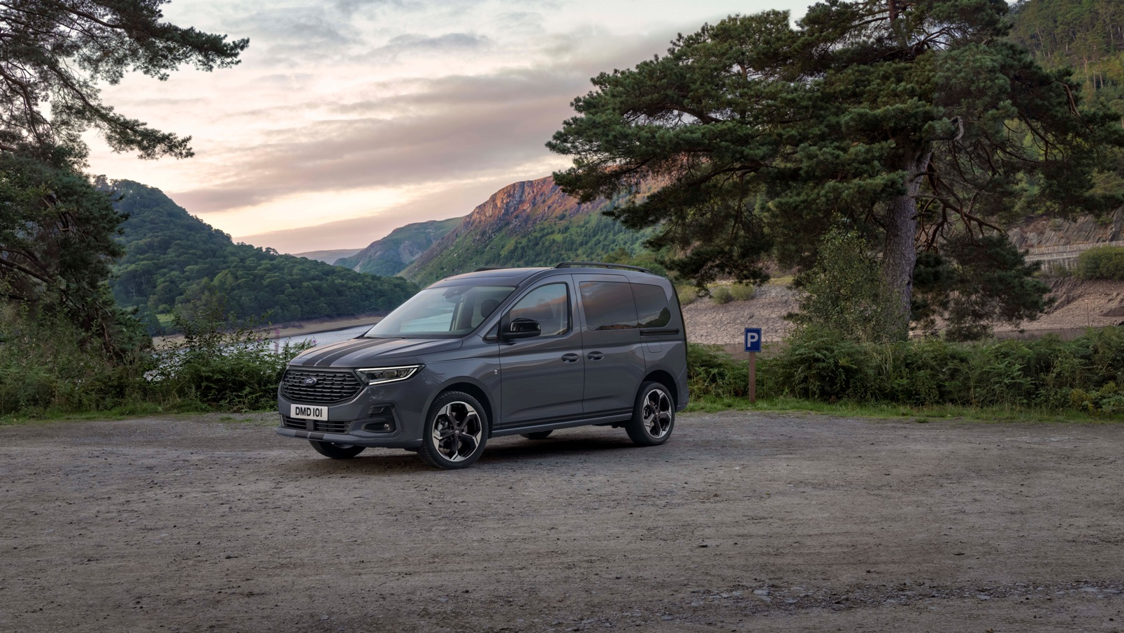 Ford Tourneo Connect 2022 (9)