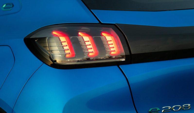 Peugeot 208 lleno