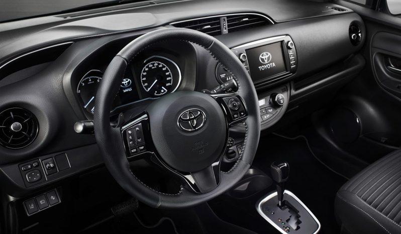 Toyota Yaris lleno