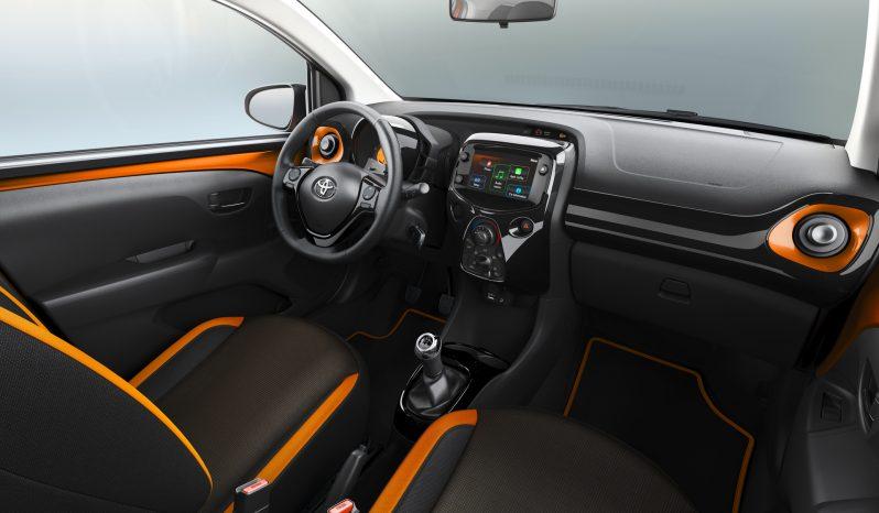 Toyota Aygo lleno